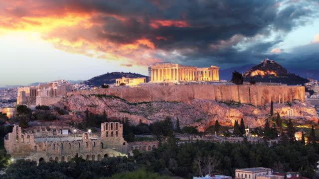vídeos de stock, filmes e b-roll de lapso de tempo de atenas-acropolis no por do sol, greece - atenas grécia