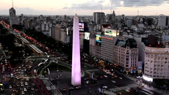 zaman atlamalı, avenida 9 de julio, ba - obelisk stok videoları ve detay görüntü çekimi