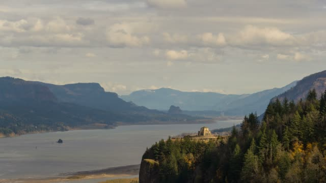 Time lapse of clouds over Vista House on Crown Point Or along Columbia River 4k video