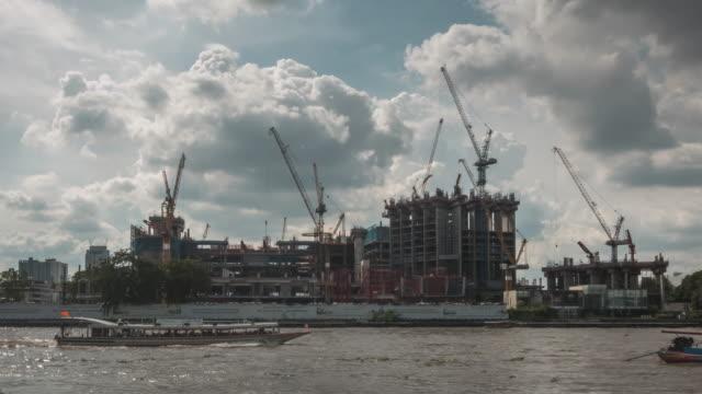 建設現場、バンコクの時間経過 - クレーン点の映像素材/bロール