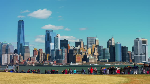 4K Time lapse of crowd tourist walking at Liberty Island in New York City, United States