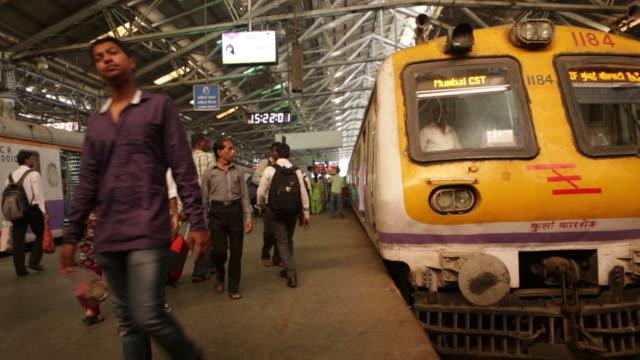 vídeos de stock e filmes b-roll de time lapse de cst de mumbay - povo indiano