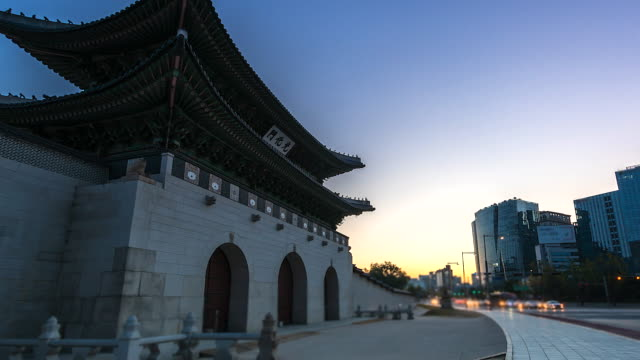 4K, Time lapse of Gyeongbokgung palace in the morning in Seoul of South korea 4K, Time lapse of Gyeongbokgung palace in the morning in Seoul of South korea gwanghwamun gate stock videos & royalty-free footage