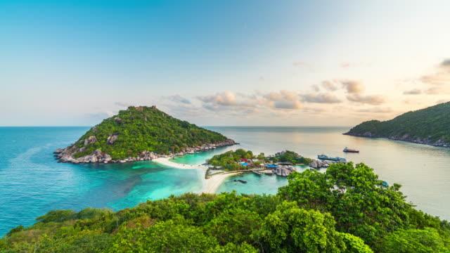 日の出、タイでナンユアン島のタイムラプス。 - サムイ島点の映像素材/bロール