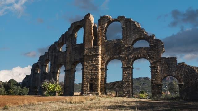 tidsinställd av gamla aspendos belkıs akvedukt - fornhistorisk tid bildbanksvideor och videomaterial från bakom kulisserna