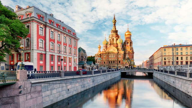 time lapse of - st. petersburg - church of the saviour on spilled blood, russia, 4k - san pietroburgo russia video stock e b–roll