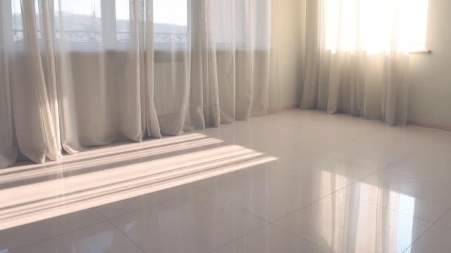 stockvideo's en b-roll-footage met time lapse van zonlicht in de vloer - photography curtains