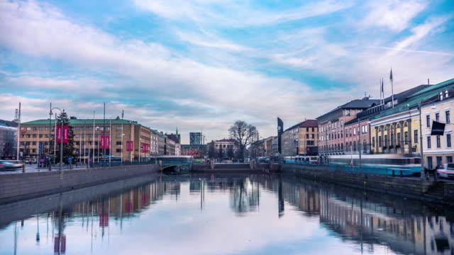tidsfördröjning för spårvagnar i göteborg sverige - gothenburg bildbanksvideor och videomaterial från bakom kulisserna
