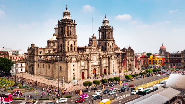 time lapse of zocalo square in mexico city - город мехико стоковые видео и кадры b-roll