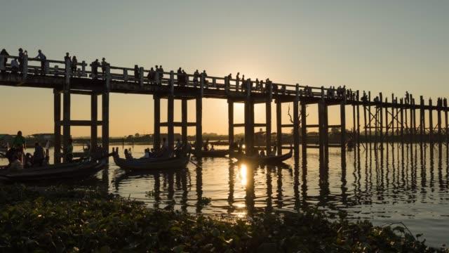 4K Time lapse :  Old U Bein Bridge in Mandalay Myanmar 4K Time lapse :  Old U Bein Bridge in Mandalay Myanmar myanmar stock videos & royalty-free footage