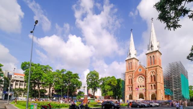 ノートルダム大聖堂のタイムラプスまたはタイムラプス映像(ベトナム語:ニャ・トー・ドゥク・バ) - 教会点の映像素材/bロール