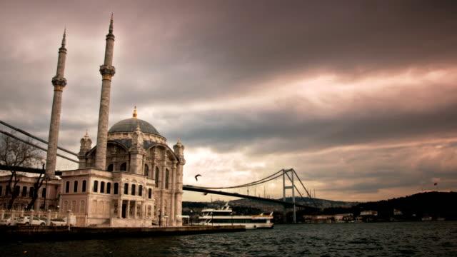 Time Lapse: Ortakoy and Bosphorus video
