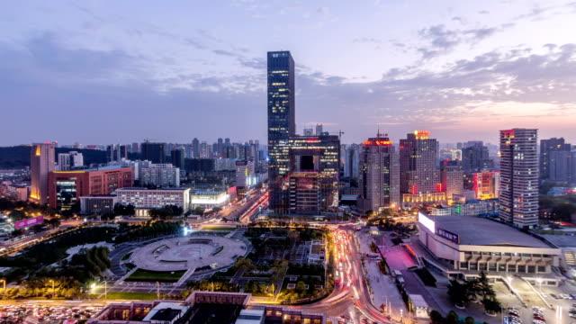 vídeos y material grabado en eventos de stock de lapso de tiempo: vista aérea del paisaje del horizonte wuhan de día a noche hora de acometidas, china - wuhan