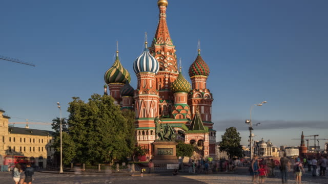 Time Lapse - St Basil's Cathedral and Red Square (Zoom Out)