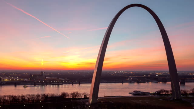 Time lapse St Louis Gateway Arch close up video