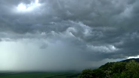 vídeos y material grabado en eventos de stock de tormenta de lapso de tiempo viene - tiempo