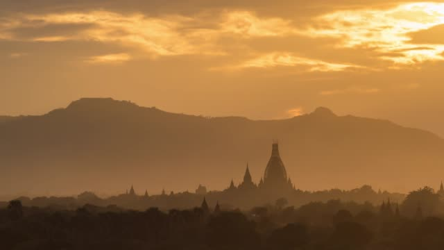 4K Time lapse : Sunset  Bagan Temples ,Old Pagoda in Bagan Myanmar 4K Time lapse : Sunset  Bagan Temples ,Old Pagoda in Bagan Myanmar myanmar stock videos & royalty-free footage