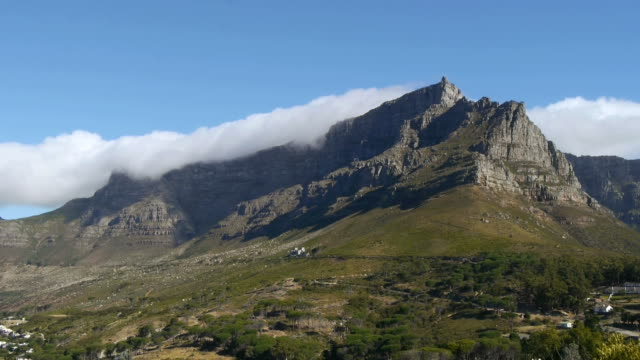time lapse, table mountain,south africa time apse with clouds on table mountain, south africa table mountain national park stock videos & royalty-free footage