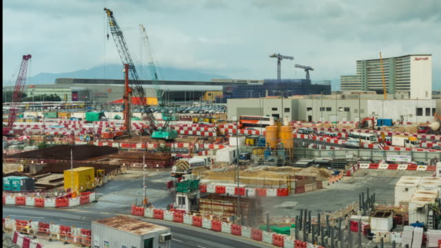 Time Lapse: The construction site at Hong Kong International Airport with cloud sky moving background. - vídeo