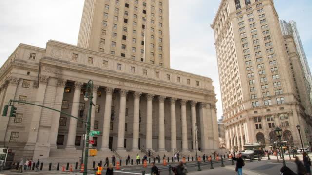 ms time lapse thurgood marshall u.s. courthouse, manhattan, new york, usa - domstol bildbanksvideor och videomaterial från bakom kulisserna