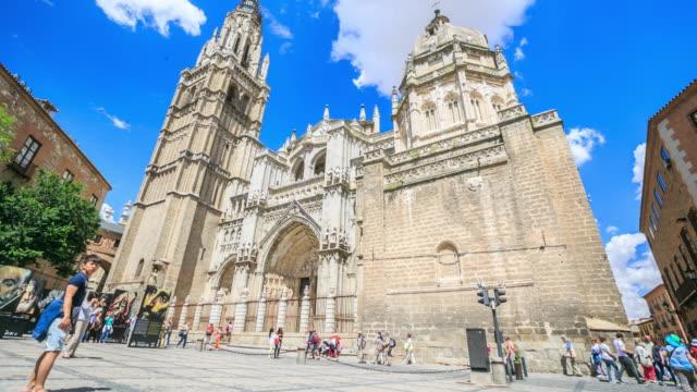 4k tidsfördröjning: toledos katedral - basilika katedral bildbanksvideor och videomaterial från bakom kulisserna