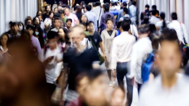 vídeos de stock, filmes e b-roll de lapso de tempo de 4k: transporte em hong kong. - clipe