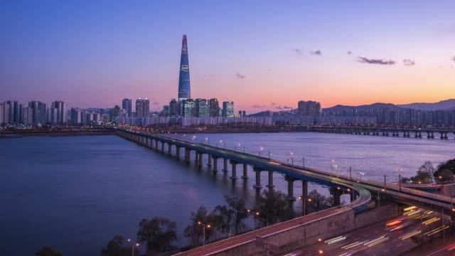 vídeos y material grabado en eventos de stock de video de lapso de tiempo del horizonte de la ciudad de seúl en corea del sur, timelapse 4k - n seoul tower