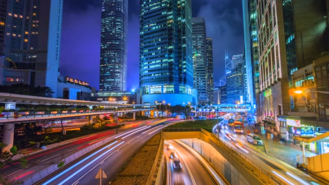 4K Time Lapse View of Traffic light and modern Building at night Hong Kong City 4K Time Lapse View of Traffic light and modern Building at night Hong Kong City traffic time lapse stock videos & royalty-free footage