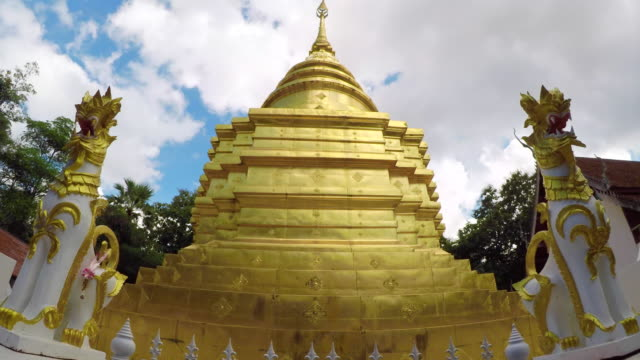 time lapse wat phrathat sri jomtong, phayao provinz, thailand - pagode stock-videos und b-roll-filmmaterial
