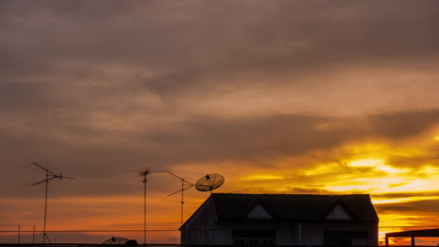 4K Time Lapse:Roof House at Sunset. video