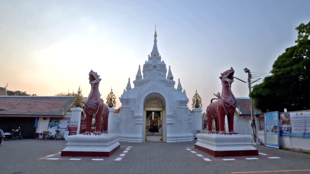 Timelape of sculptures at wat phra that hariphunchai lamphun video