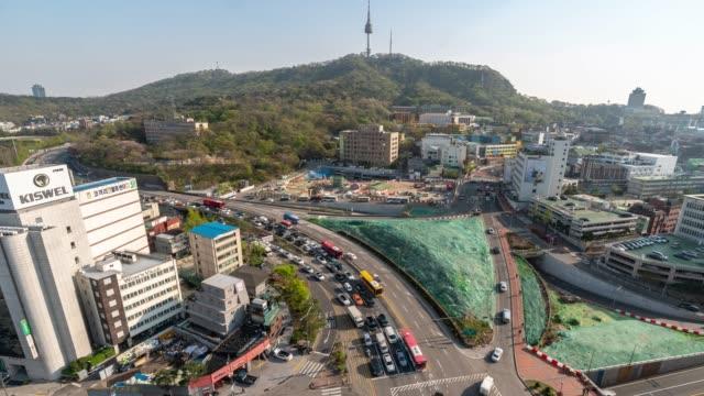 vídeos y material grabado en eventos de stock de time-lapse: vista aérea de la torre n seoul en seúl corea del sur - n seoul tower