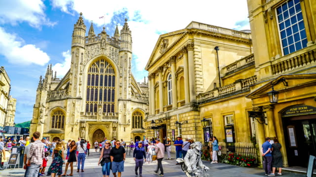 timelapse Bath Abbey with tourist in England