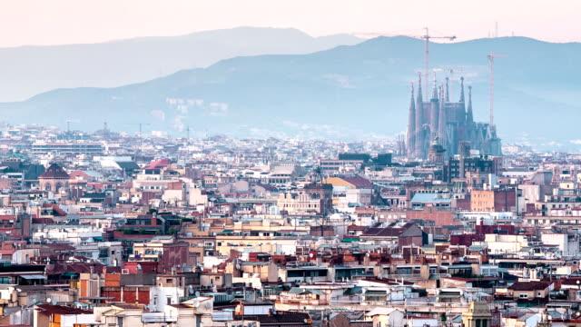 HD timelapse: Becelona Espana cityscape with familia sagrada dusk Spain video
