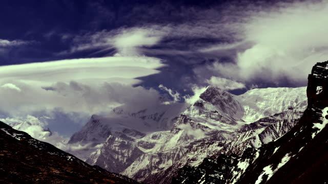 time-lapse. födelse moln i himalaya - 2015 bildbanksvideor och videomaterial från bakom kulisserna