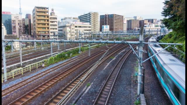 東京のダウンタウンの鉄道駅の時間経過: 混雑 ビデオ