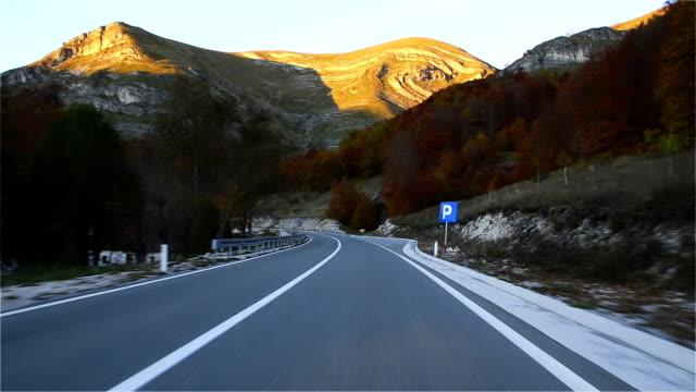 Timelapse Car Driving on the Highway, Montenegro, Zabljak, Oktobar video