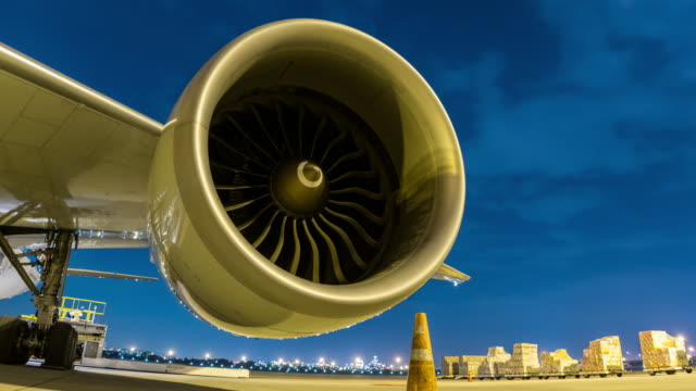 Time-lapse : Cargo plane and engine aircraft video