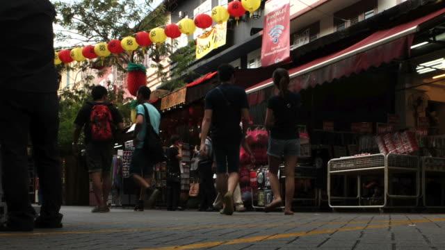 HD time-lapse : Chinatown market , Singapore