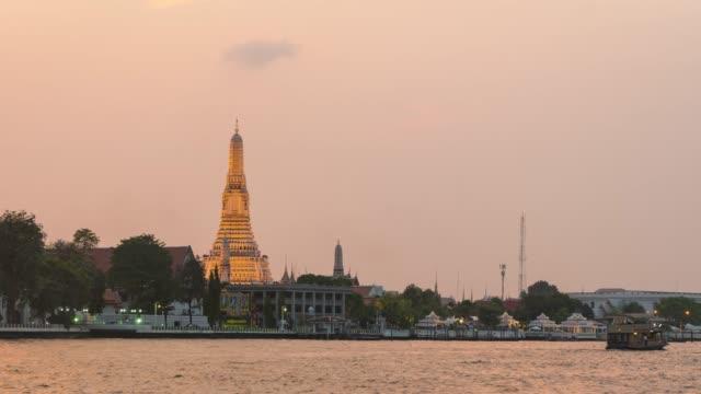 4K Timelapse Day To Night: Wat Arun video