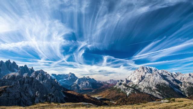 vídeos de stock, filmes e b-roll de timelapse: dolomitas montanhas dos alpes - tyrol state austria