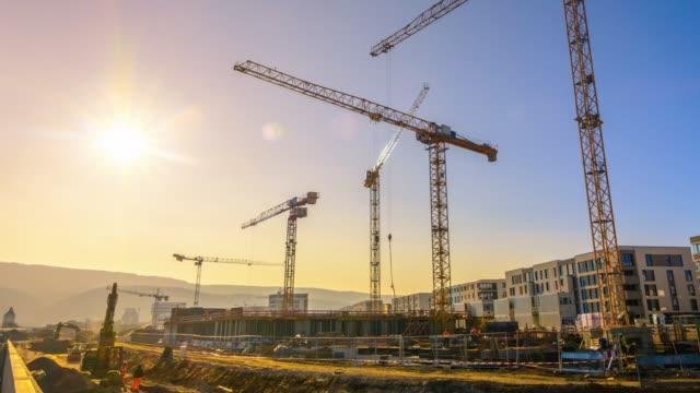 vidéos et rushes de séquences timelapse d'un grand chantier - chantier