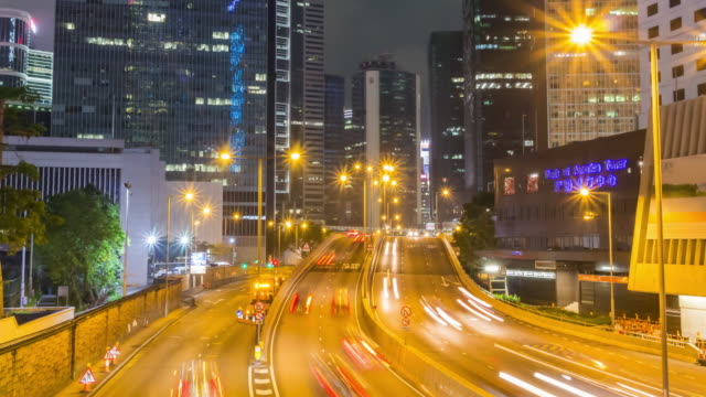 Time-lapse: Hong Kong traffic at night shot - vídeo