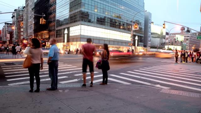 timelapse in new york city - 道路交叉口 個影片檔及 b 捲影像