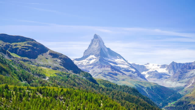 stockvideo's en b-roll-footage met timelapse matterhorn in zermatt, zwitserland - zermatt