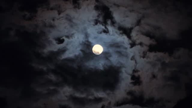 Timelapse Moon - Nacht_Mond_Wolken video