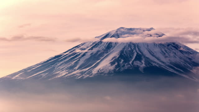 stockvideo's en b-roll-footage met timelapse berg fuji close-up tijdens zonsopgang ochtend, japan - japan