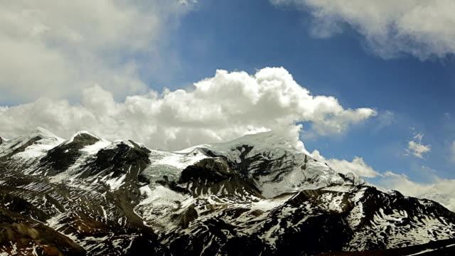 time-lapse. rörliga moln i himalaya - 2015 bildbanksvideor och videomaterial från bakom kulisserna