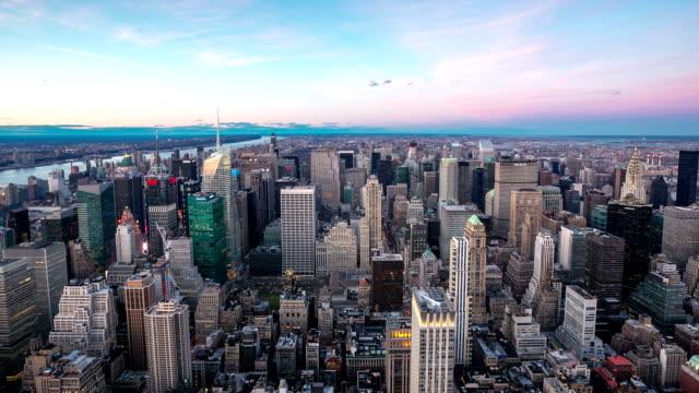 hd :time -lapse (低速度撮影) ニューヨークシティーの街並みの空からの眺め - 合意点の映像素材/bロール