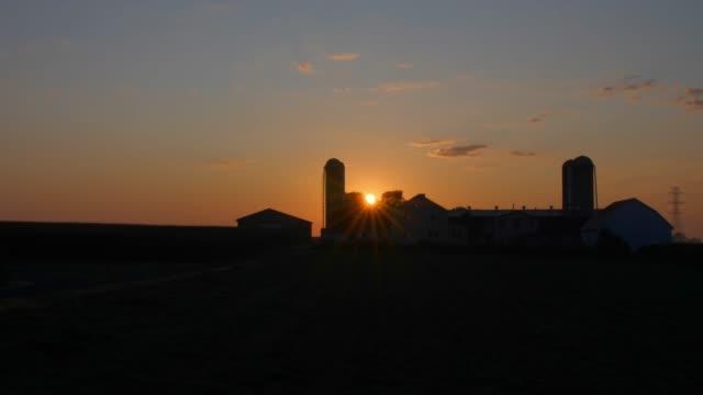 timelapse av en soluppgång på en amish gård - farm bildbanksvideor och videomaterial från bakom kulisserna